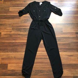 Pants - Black jumpsuit w/ pockets!